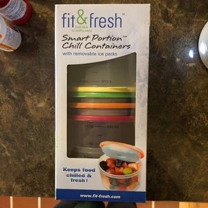Fit & Fresh containers